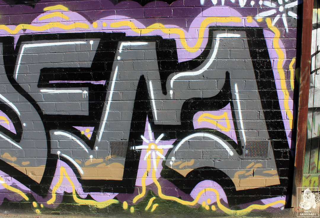 Cola-Idems-Collingwood-Graffiti-Melbourne-Arty-Graffarti4