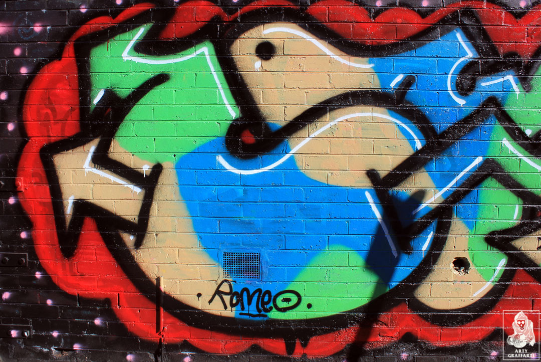 Cola-Idems-Collingwood-Graffiti-Melbourne-Arty-Graffarti5