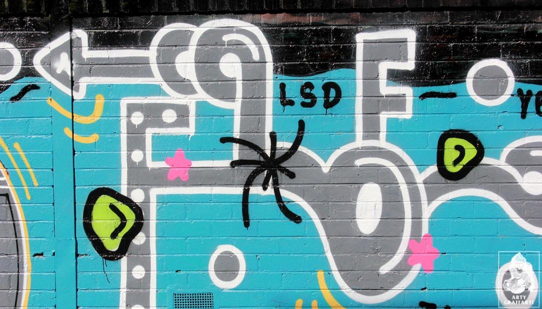 Items-Feebl-H20e-Fezbot-Grins-Atak-Collingwood-Graffiti-Melbourne-Arty-Graffarti13