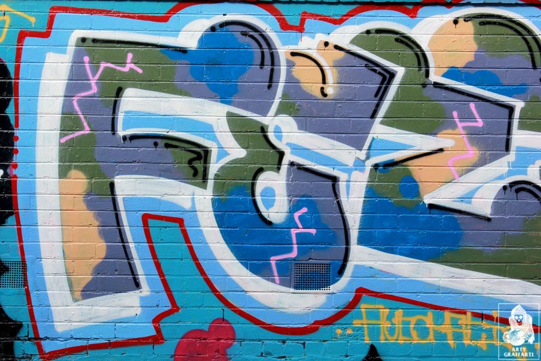 Items-Feebl-H20e-Fezbot-Grins-Atak-Collingwood-Graffiti-Melbourne-Arty-Graffarti8