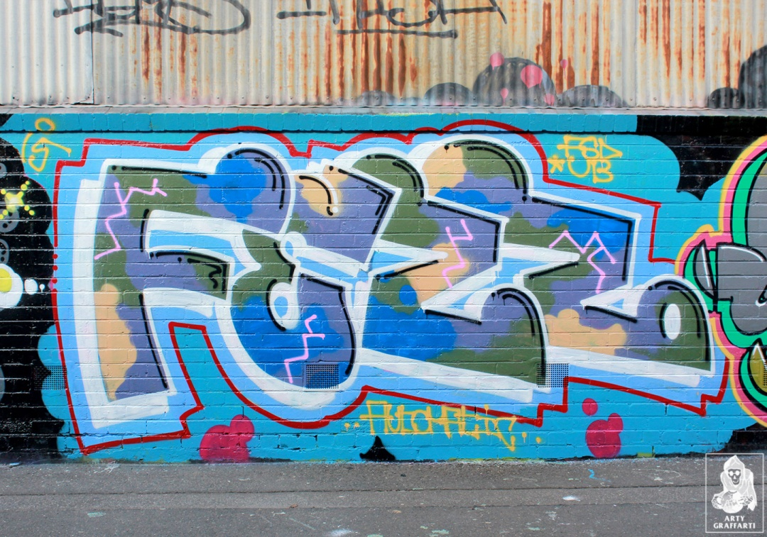 Items-Feebl-H20e-Fezbot-Grins-Atak-Collingwood-Graffiti-Melbourne-Arty-Graffarti9