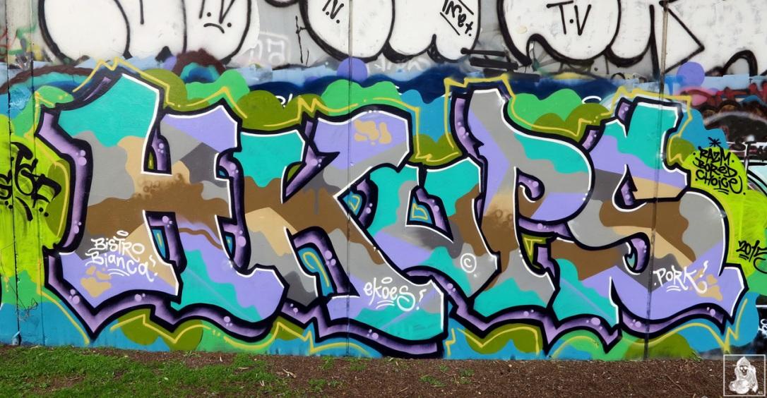 Check-Hikups-Brunswick-Graffiti-Melbourne-Arty-Graffarti5