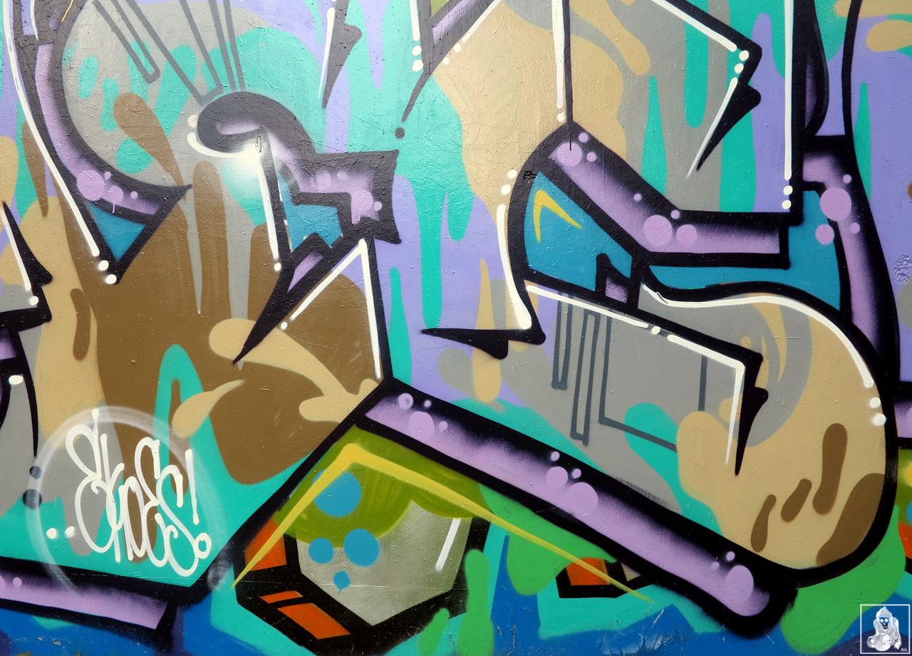 Check-Hikups-Brunswick-Graffiti-Melbourne-Arty-Graffarti6