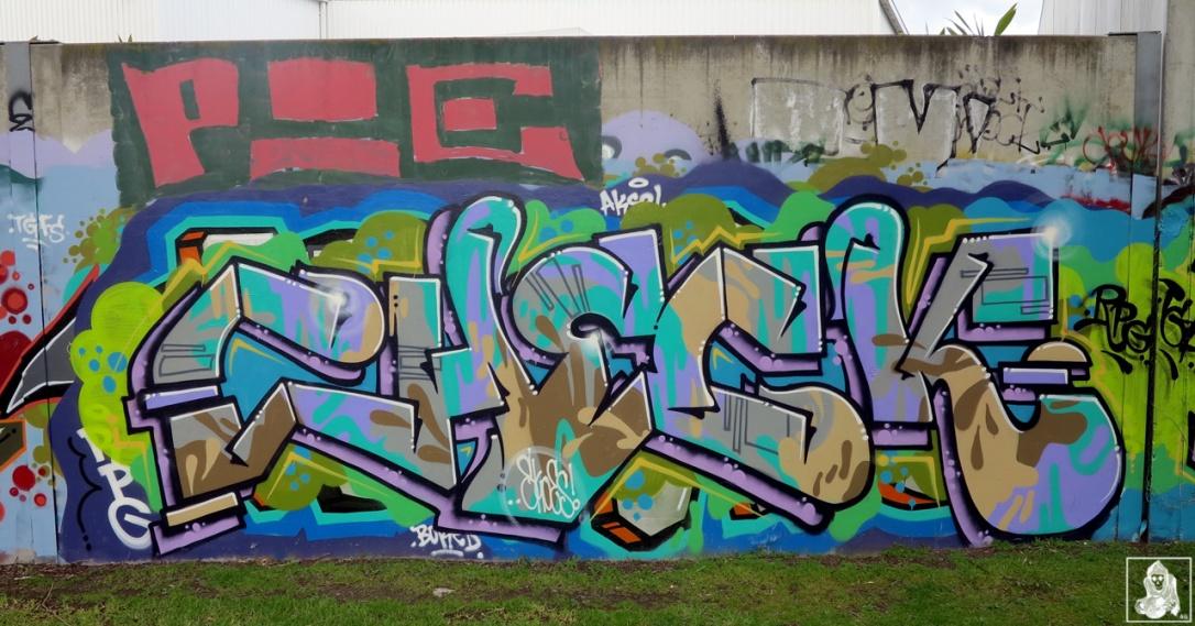 Check-Hikups-Brunswick-Graffiti-Melbourne-Arty-Graffarti8