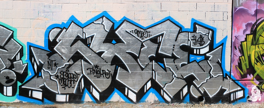 Ouzo-SexWax-Fitzroy-Graffiti-Melbourne-Arty-Graffarti3