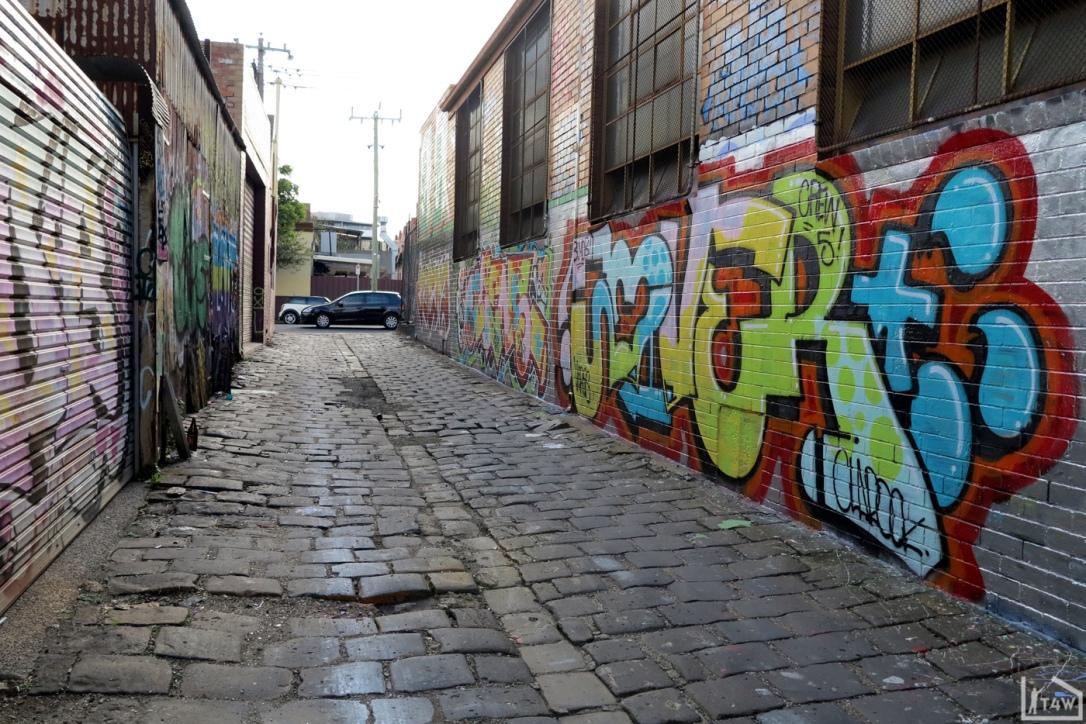 the-fourth-walls-melbourne-graffiti-aliens-jover-brunswick4