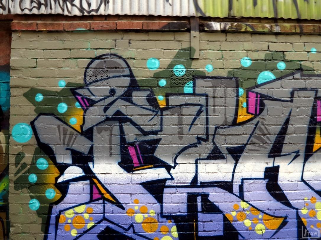 the-fourth-walls-melbourne-graffiti-2flash-bonza-swim-melbourne-cbd5