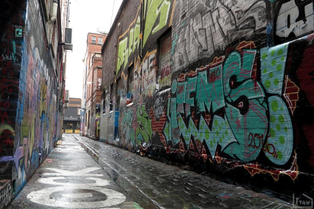 the-fourth-walls-melbourne-graffiti-thud-chelk-items-fitzroy6