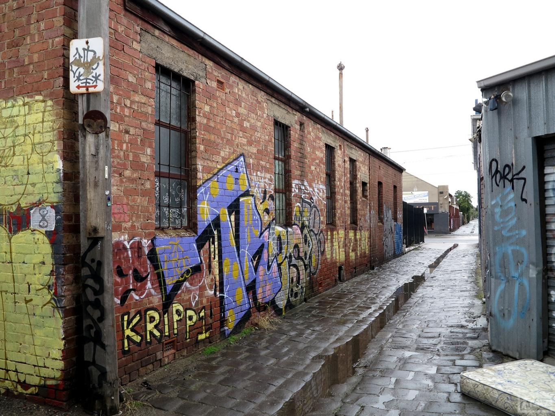 the-fourth-walls-melbourne-graffiti-tres-brunswick