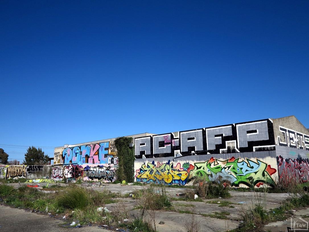 the-fourth-walls-melbourne-graffiti-tilter-peps-preston