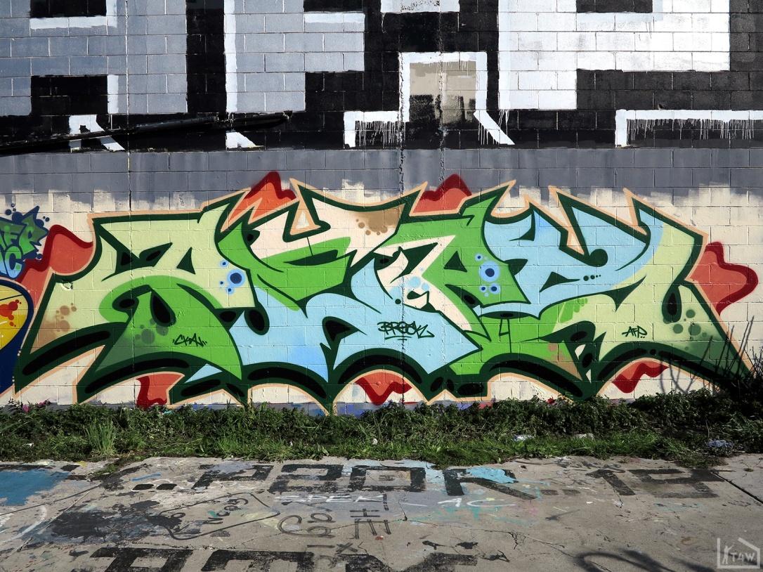 the-fourth-walls-melbourne-graffiti-tilter-peps-preston2