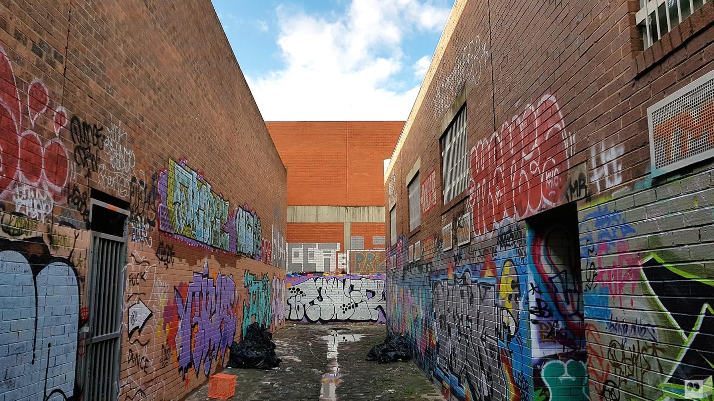 the-fourth-walls-melbourne-graffiti-tower-mr-tee-brunswick3