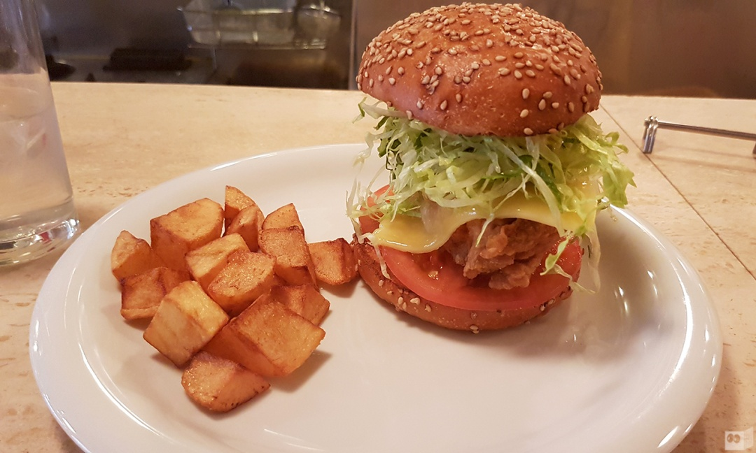the-fourth-walls-melbourne-culture-food-wanto-burger-kobe-japan11