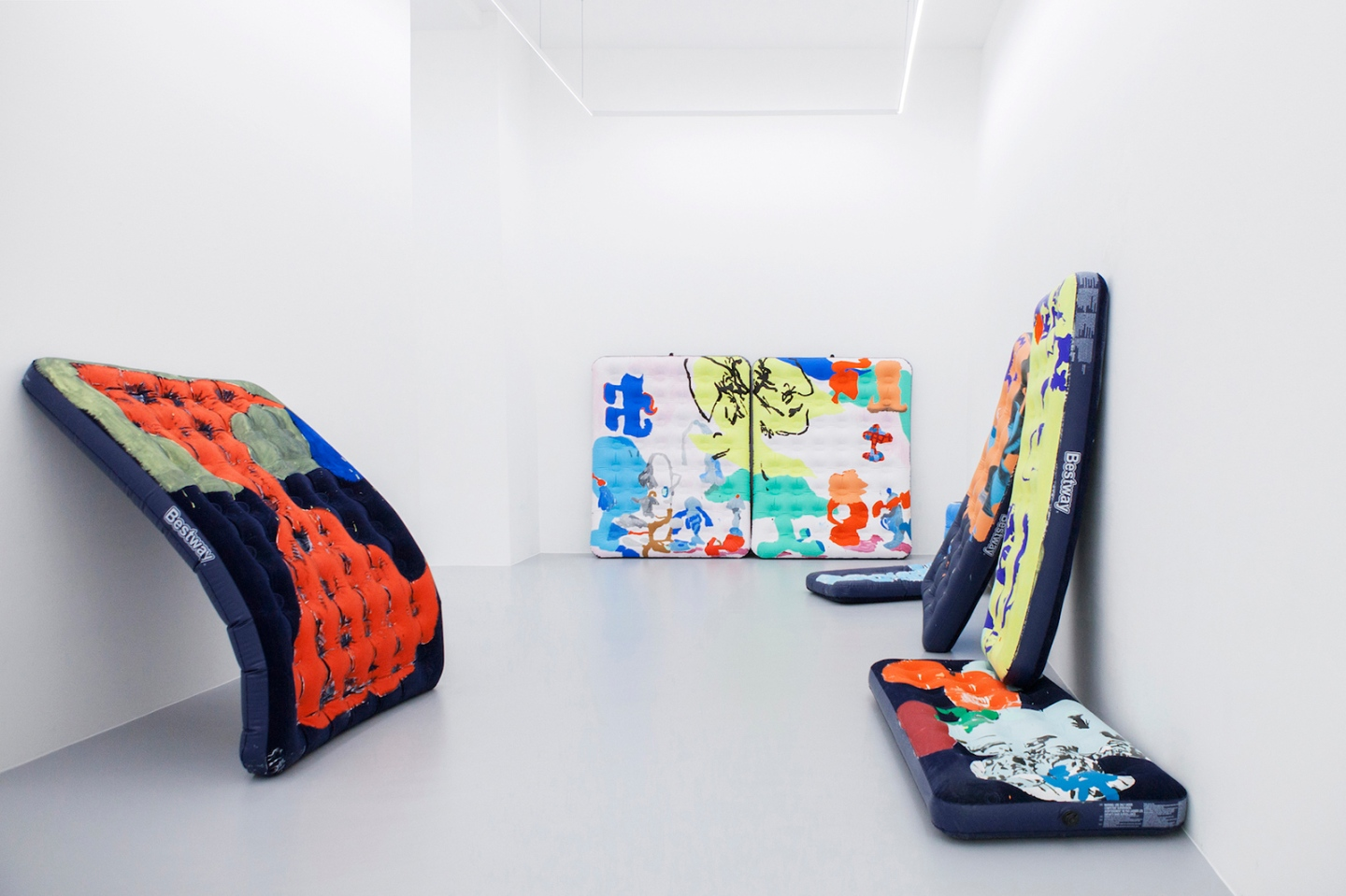 the-fourth-walls-art-exhibition-review-antwan-horfee-sorry-bro-ruttkowski68-gallery-cologne-germany5